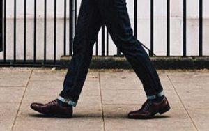 ジーンズ・革靴