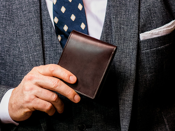 蝋引きコードバン二つ折り財布「スウィープ」