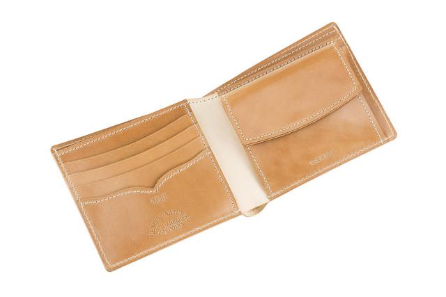 キプリス(CYPRIS)ナチュラルコードバン二つ折り財布