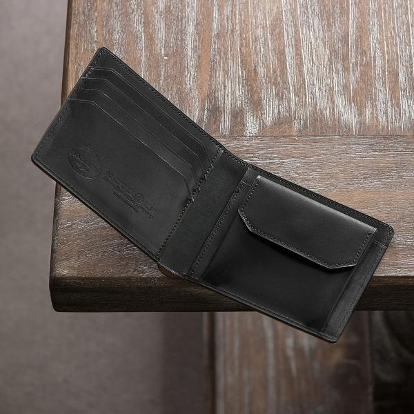 革の強度・耐久性が高い二つ折り財布に!